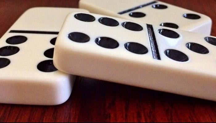 Sistem Bermain Kartu Domino QQ